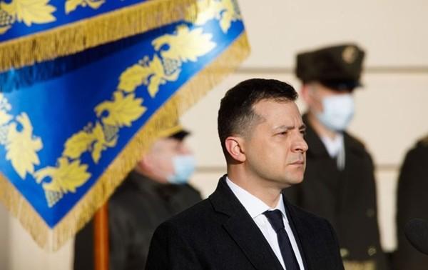 Зеленский намерен посетить Донбасс0