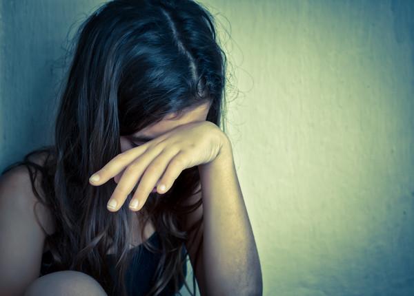 Снимали на видео: В Мариуполе подростки изнасиловали 16-летнюю девушку