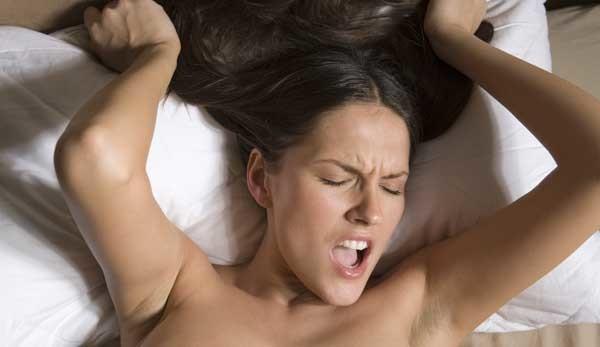 Смотреть секс телка сама себя удовлетворяет и кончает, смотреть онлайн порно негритянки атакуют