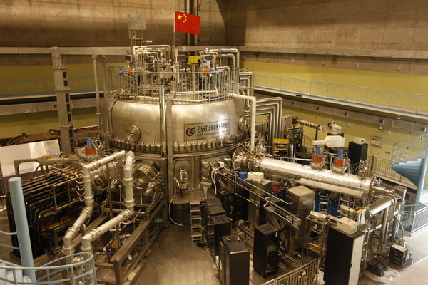 Ядерный реактор Experimental Advanced Superconducting Tokamak