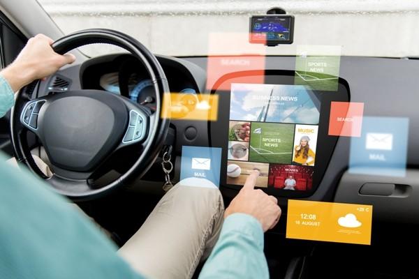 Мультимедийная система авто может стать причиной ДТП – СМИ