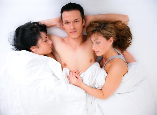 gruppovoy-seks-nayti-zhelayushih-porno-kartinki-alka