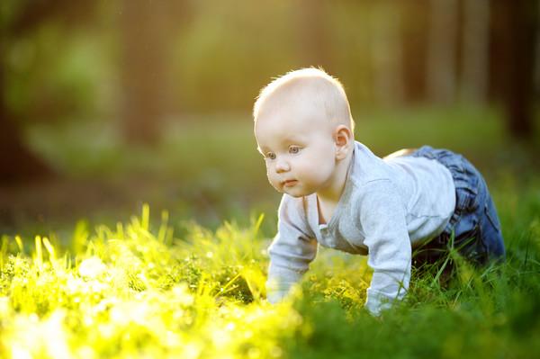Детки, которые родились зимой, начинают ползать уже на 30-й неделе