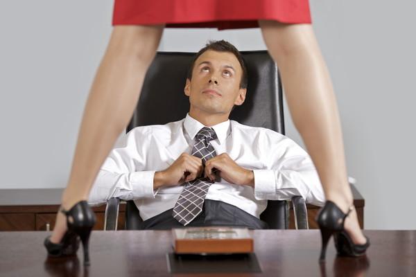 Он ее хочет в сексе онлайн с орами фото 649-241