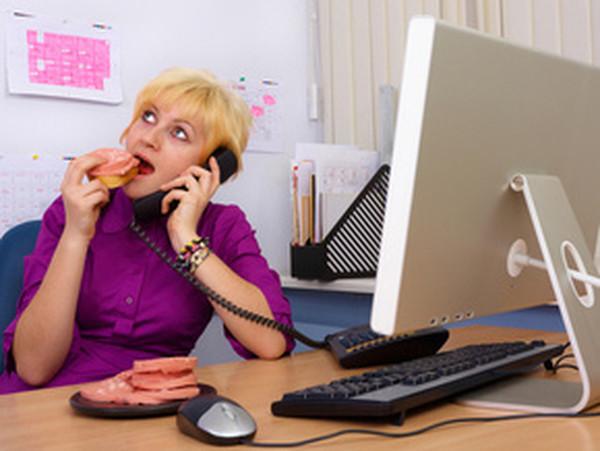 Изменяет и разговаривает по телефону одновременно онлайн фото 399-647