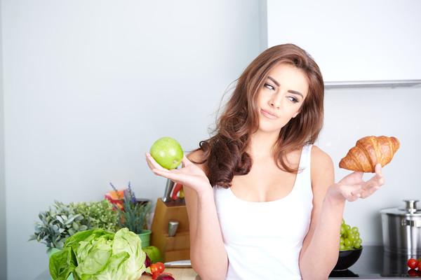 10 вредных пищевых привычек, которые мешают тебе похудеть