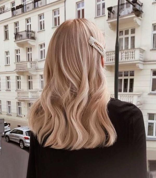 Зимняя проблема: как избавиться от электризации волос