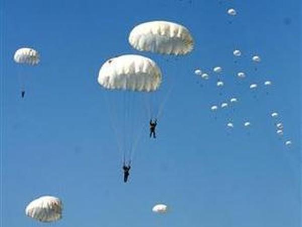 Киев: Сколько стоит прыгнуть с парашютом?