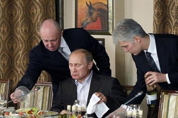 Повар Путина (слева) владеет несколькими резиденциями, личным самолетом и яхтой