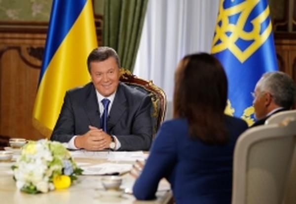Янукович пообщался с журналистами