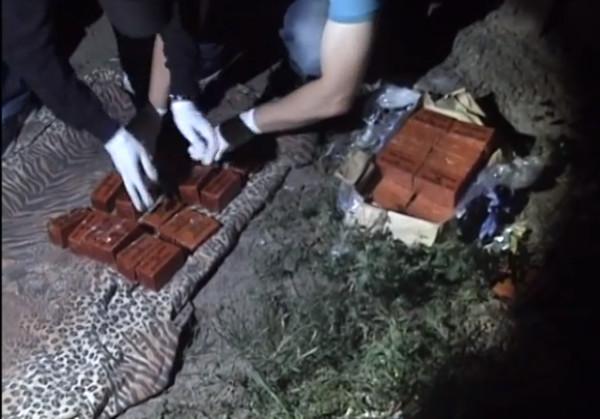 В Днепропетровске военный пытался продать 20 кг взрывчатки
