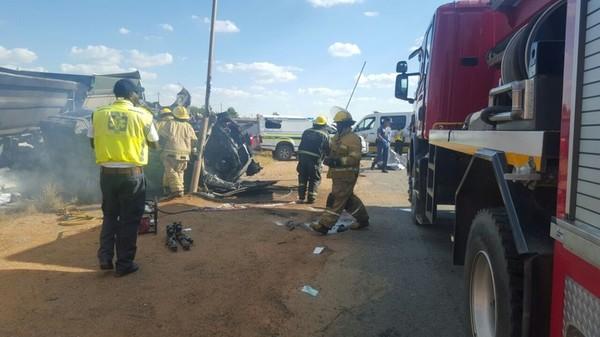 В Южной Африке 20 детей погибли при столкновении фуры с автобусом