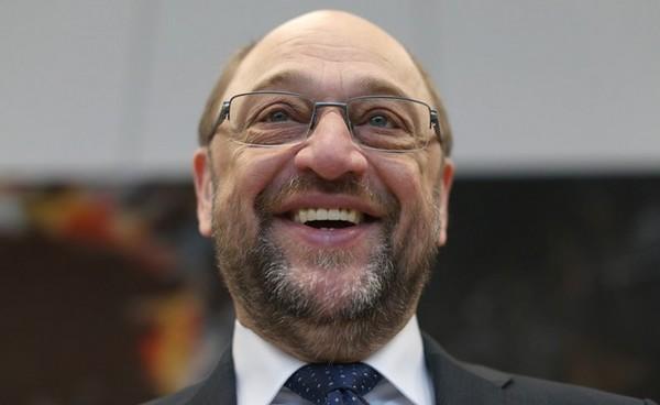 В Германии на прямых выборах Шульц победил бы Меркель - опрос