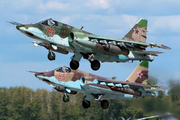 На российскую базу в Сирии прибыли военные самолеты Су-25