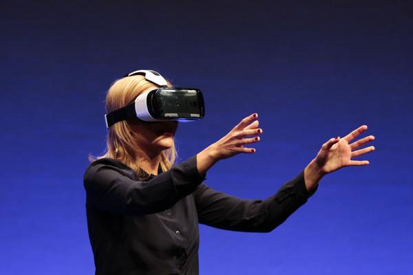 Стартовая цена на Samsung Gear VR составляет 199 долларов