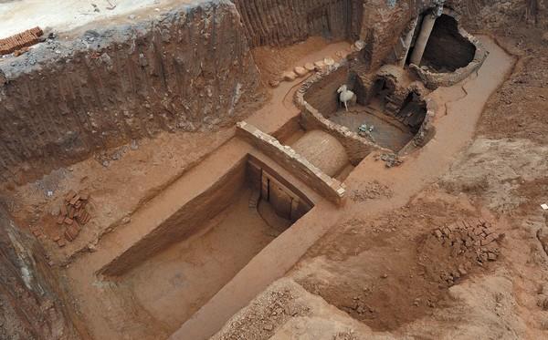 В Китае нашли таинственную древнюю гробницу
