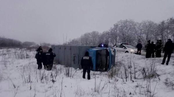 Автозак с заключенными попал в ДТП