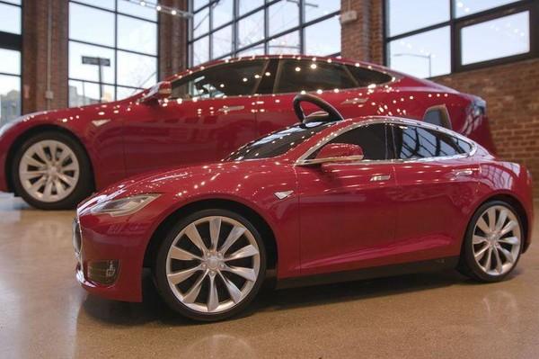 Tesla представила электромобиль за 500 долларов