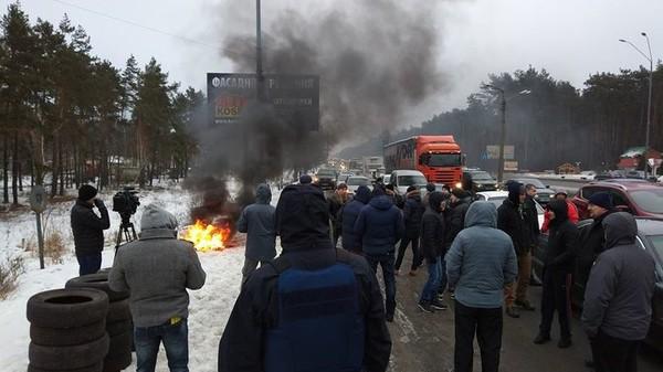 Водители устроили мирную акцию протеста