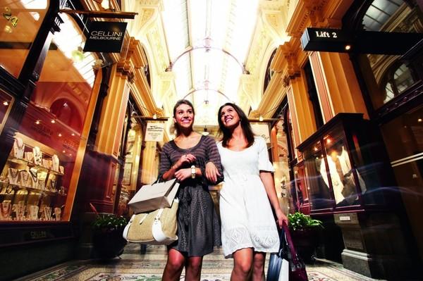 В Милане можно выгодно скупиться и хорошо провести время
