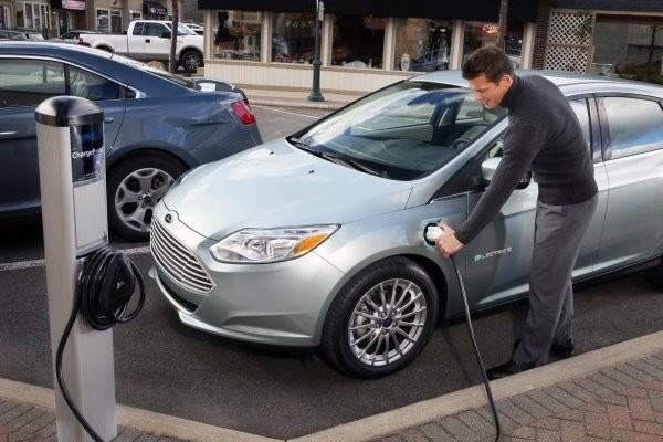 Украинцев хотят стимулировать к покупке электромобилей