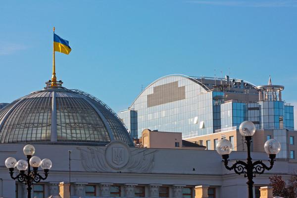 Украинская экономика осталась стабильной за счет траншей от МВФ