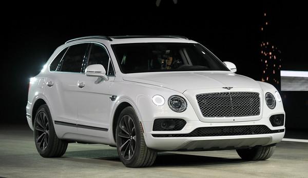 Роскошный Bentley Bentayga удивил николаевцев