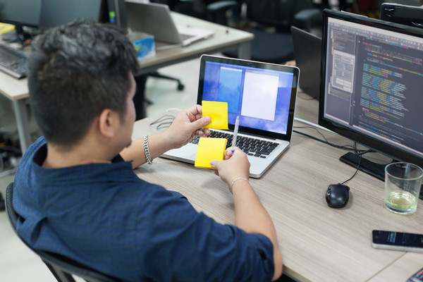 Чаще всего программисты недовольны оснащением рабочего места