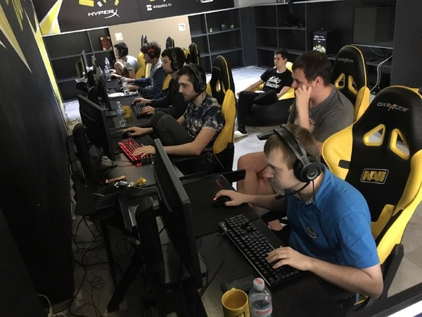Natus Vincere сыграют с Gambit Esports на DreamLeague Season 8