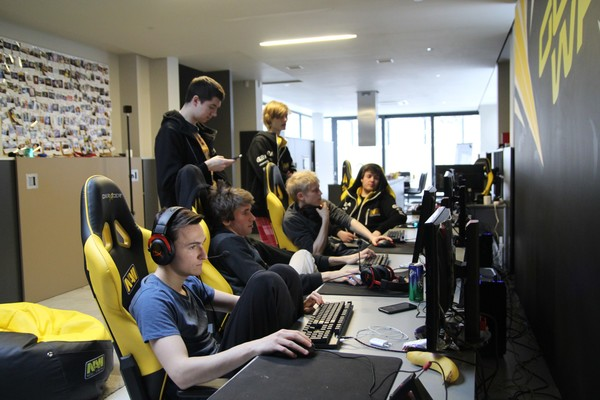 Natus Vincere приглашены на DreamLeague Season 7
