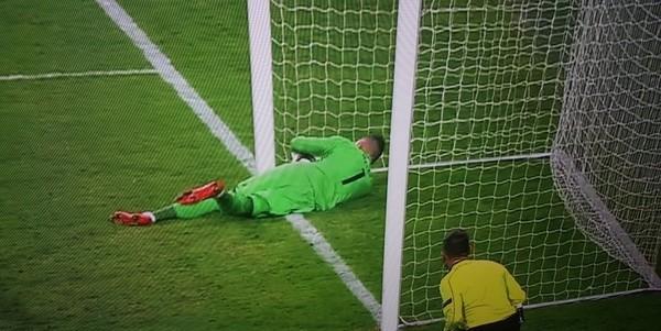 Судья матча Легии и Аякса не увидел чистый гол