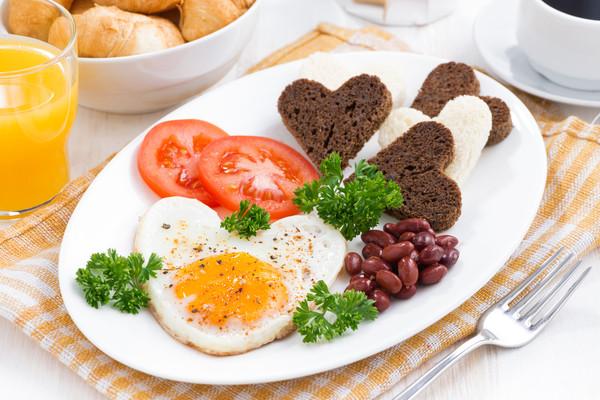 Завтрак в постель на День святого Валентина