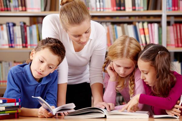Практически на каждом уроке украинские школьники изучают новую тему