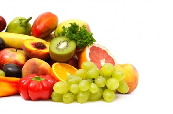Овощи и фрукты - основа летнего питания