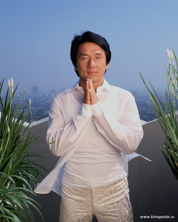 Джеки Чан не умер - в интернет проникла ложная информация