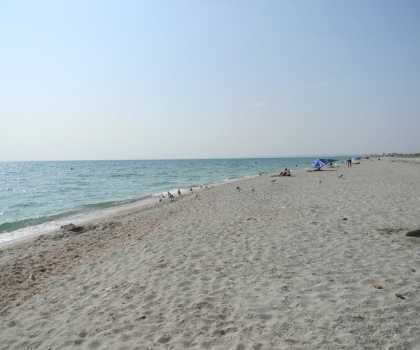 Безлюдные пляжи поселка Мирный