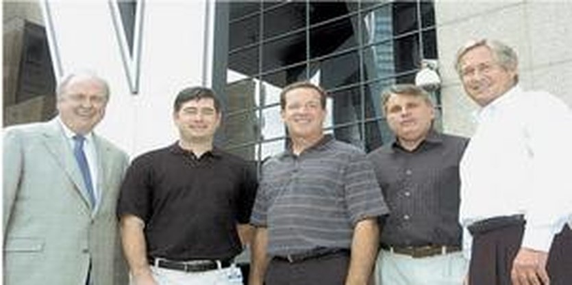 Боб Уильямс (справа), bizjournals.com
