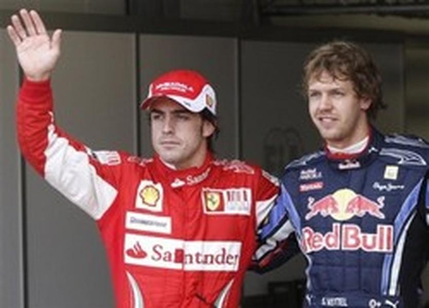 Фернандо Алонсо (слева), AP