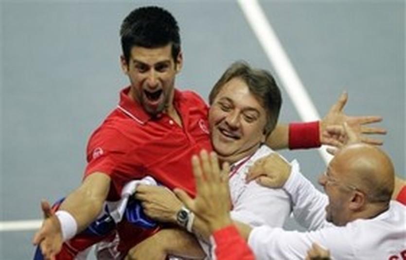 Новак Джокович (слева), AP