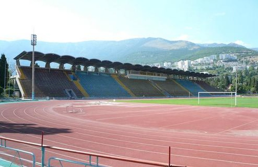 Стадион в Ялте, фото stadionspartak.ru
