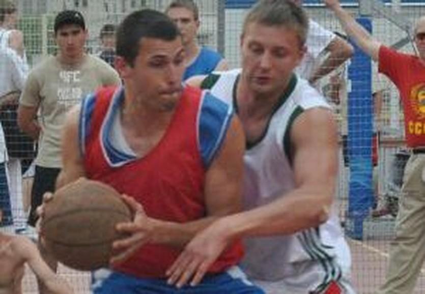 Алеферов - слева, фото Streetball.in.ua