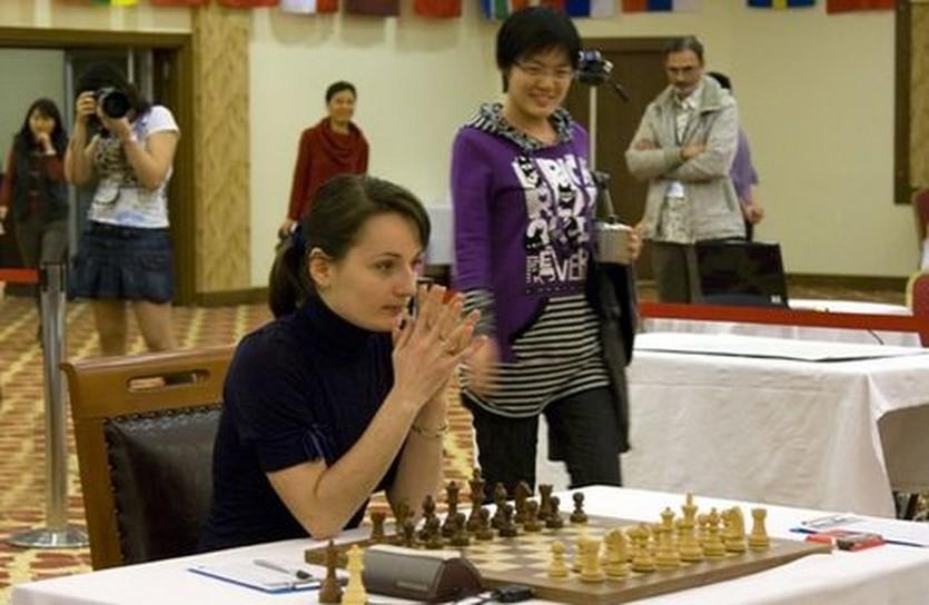 Екатерина Лагно так и не нашла управу на улыбчивую китаянку, wwcc2010.tsf.org.tr