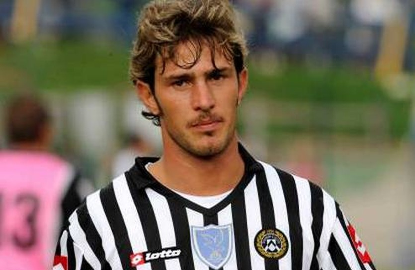 Флоро Флорес, calcioline.com
