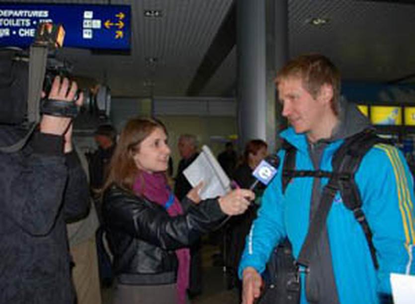 Сергей Семенов в аэропорту, biathlon.com.ua