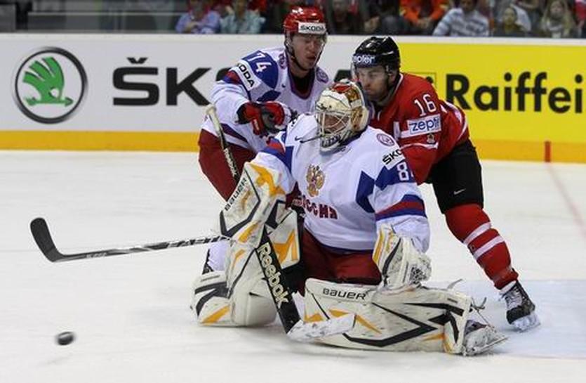 Алексей Емелин (слева), Getty images