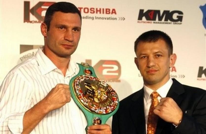 Виталий Кличко и Томаш Адамек, АР
