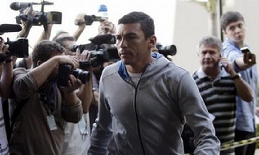 Лусио, Reuters