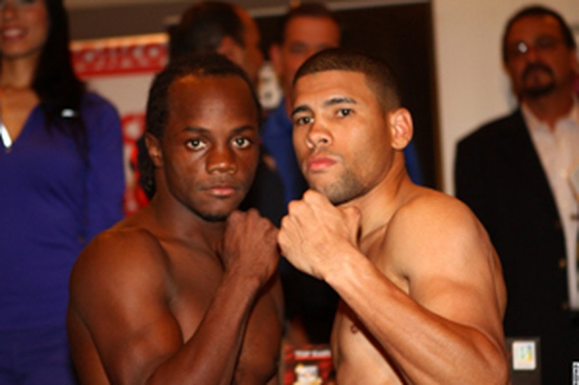 Хуан Мануэль Лопес и Майк Оливер, boxingscene.com