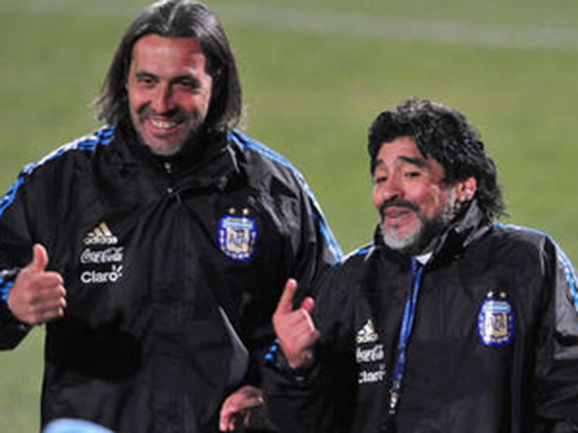 Истец (слева) и ответчик, enlaprorroga.com