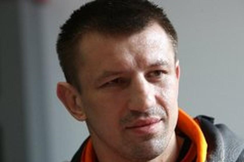 Томаш Адамек, АР